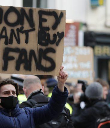 Európska Superliga protesty fanúšikov