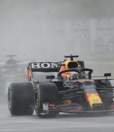 Verstappen a Hamilton v Imole 2021