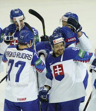 Slovensko na MS 2021 v hokeji oslavujú postup