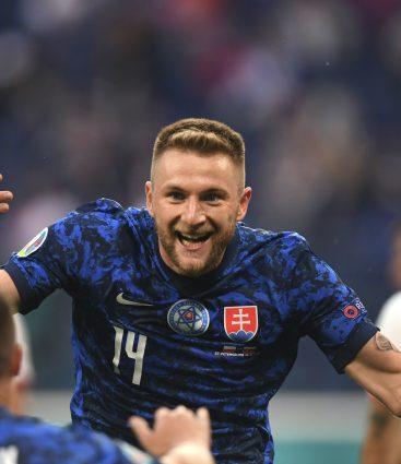 Milan Škriniar po góle v zápase Slovensko Poľsko na EURO 2020